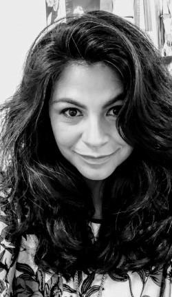 Valeria Lara